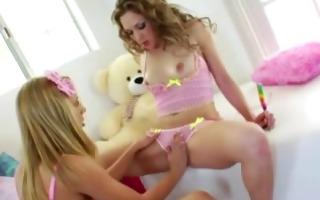 teen lesbians lick and finger