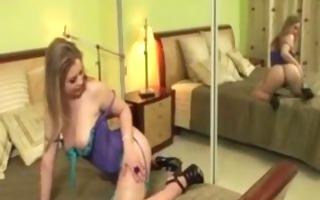 cutie in lingerie rubs her slit