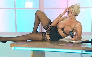 lucy zara hot office assistant