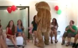 cfnm dark stripper cums for the female crowd