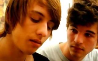 hotty consoled over boyfriend