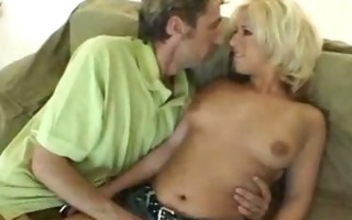 bimbo blondie desire it is in her butt
