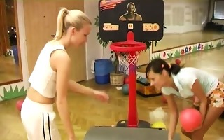 cindy and amber fuckin\ every other in the gym