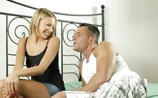 Порно видео лишения девственности, (Смотреть как целки теряют девственность)