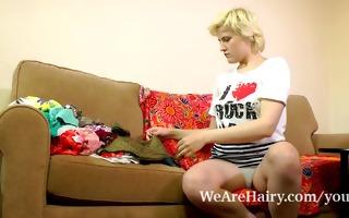 bushy beauty kira takes care of some laundry