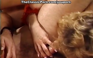 sexy threesome simultaneous orgasm