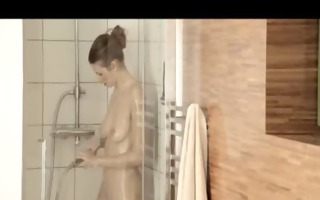 reaching big o in the alluring shower