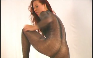 large boob roxana posing flexi in nylon