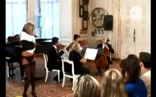 hawt blond strips to classical music