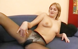 hot dilettante mother i masturbates, sucks and