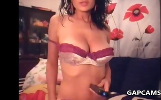flashing large natural tits zeppelins on cam