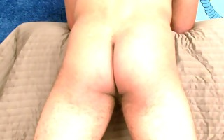hot str8 mixed race man with hot pumped up body,