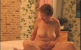 sexy dark brown milf acquires in nature and shows